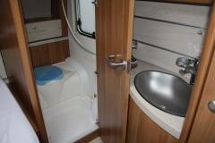 Fendt-Waschbecken-Dusche-und-WC